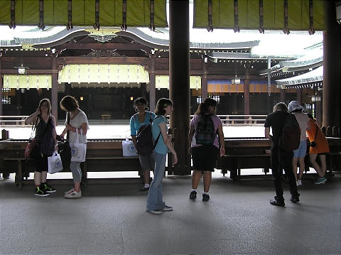 Meiji%20inner%20shrine.JPG
